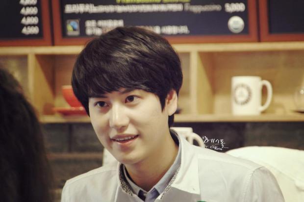 140830-kyuhyun-at-mom-cafe004
