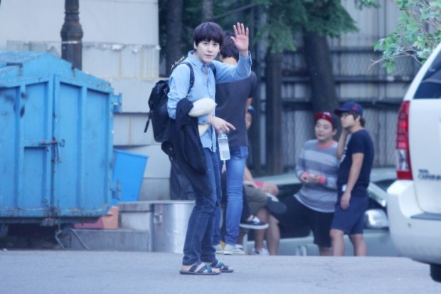 140907-kyu-after-inkigayo2