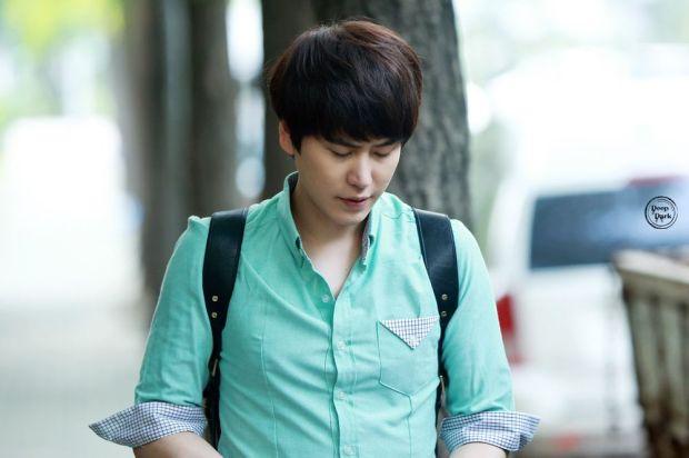 140912_kyuhyun_after_musicbank_DeepDark (1)
