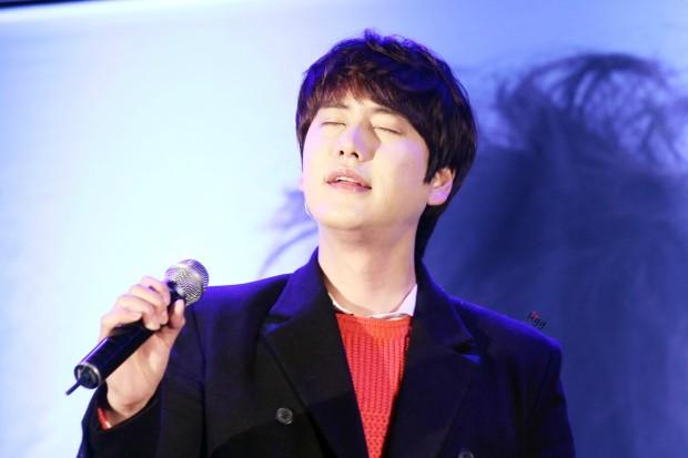141128_kyuhyun_sueprise_mini_concert_ELF依_传说中的YY (1)
