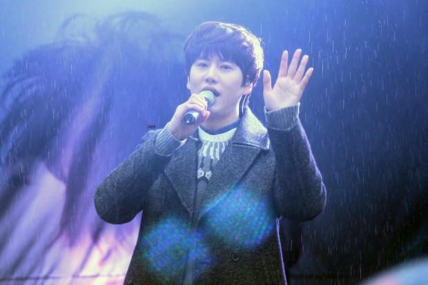 141128_kyuhyun_sueprise_mini_concert_ELF依_传说中的YY (13)