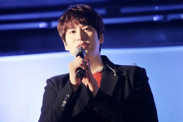 141128_kyuhyun_sueprise_mini_concert_ELF依_传说中的YY (8)