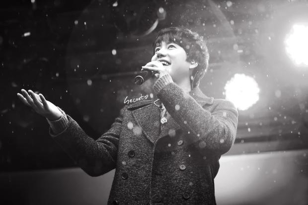 141128_kyuhyun_surprise_Mini_Concert (2)