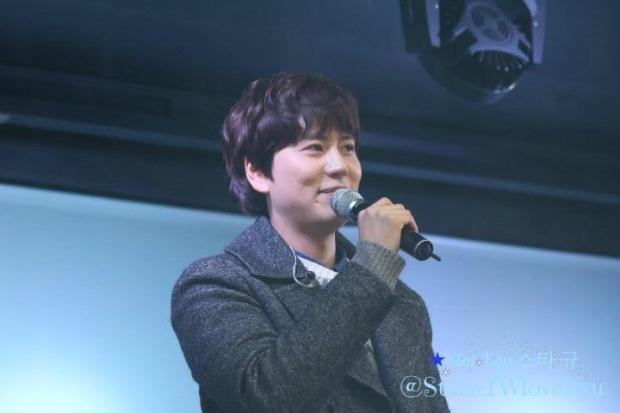 141128_kyuhyun_surprise_mini_concert (8)