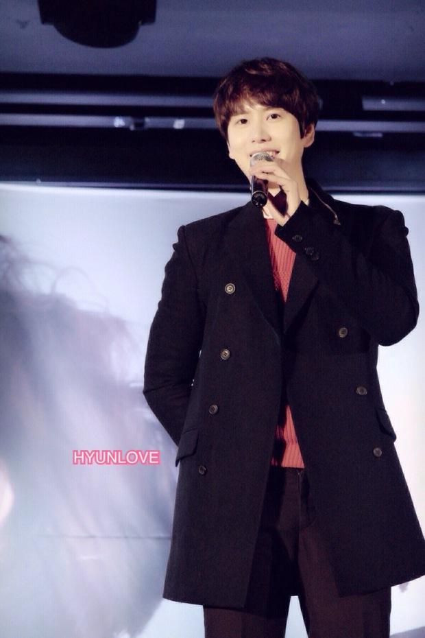 141128_kyuhyun_surprise_mini_concert_ (3)