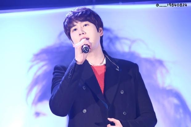 141128_kyuhyun_surprise_mini_concert_coex__19840824