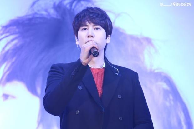 141128_kyuhyun_surprise_mini_concert_coex__29840824