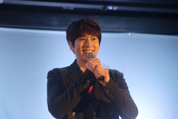 141128_Kyuhyun_surprise_mini_concert_imagine_淙JS (1)