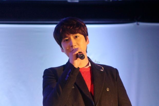 141128_Kyuhyun_surprise_mini_concert_imagine_淙JS (2)