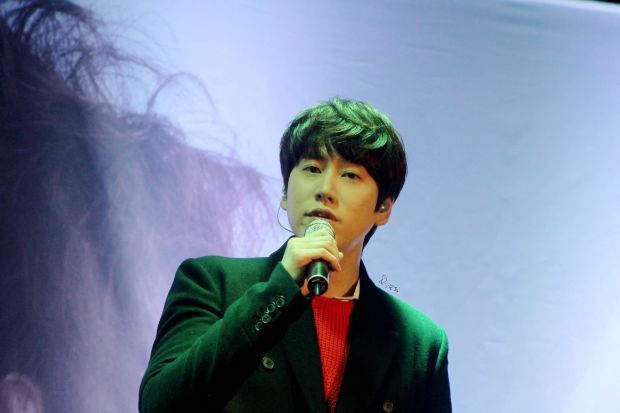 141128_Kyuhyun_surprise_mini_concert_imagine_淙JS