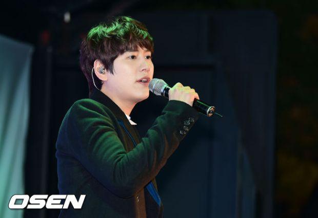 141128_surprise_concert_kyuhyun (2)