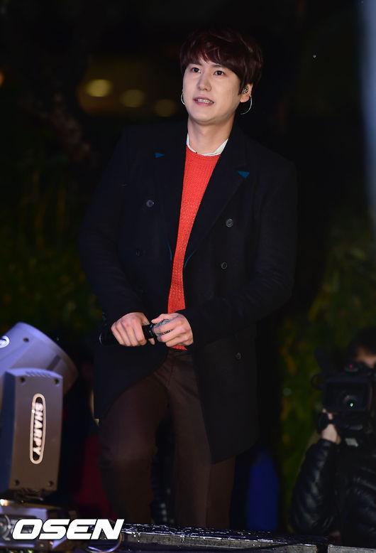 141128_surprise_concert_kyuhyun (4)