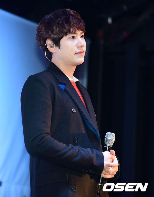 141128_surprise_concert_kyuhyun (6)