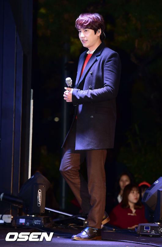 141128_surprise_concert_kyuhyun (7)