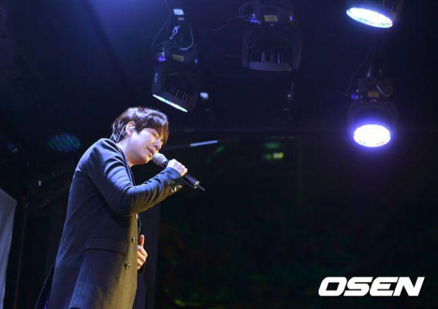 141128_surprise_concert_kyuhyun