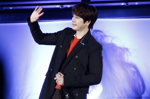 141128_surprise_mini_concert_kyu (6)