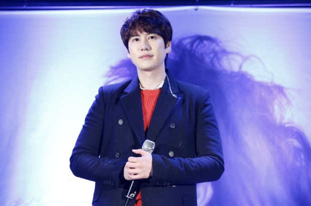 141128_surprise_mini_concert_kyu (8)