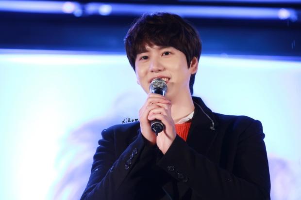 141128_kyuhyun_Mini_Concert_coex_ewha (10)