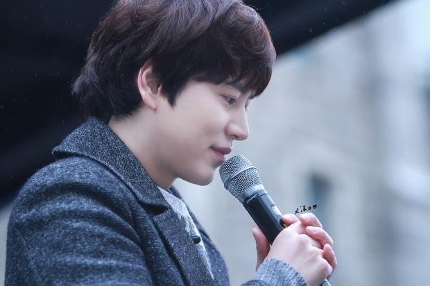 141128_kyuhyun_Mini_Concert_coex_ewha (18)