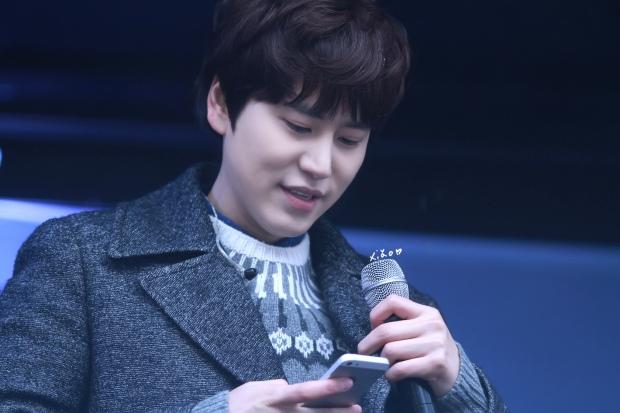 141128_kyuhyun_Mini_Concert_coex_ewha (19)