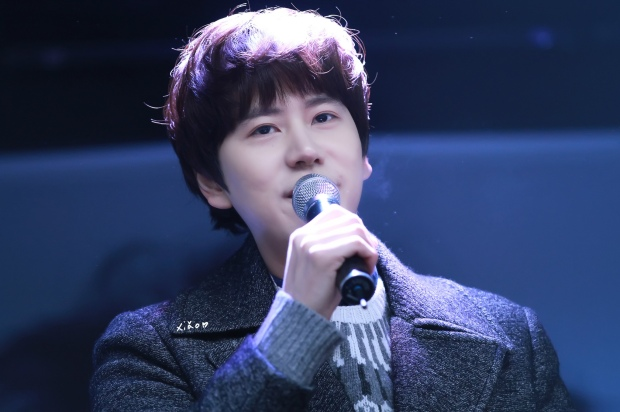 141128_kyuhyun_Mini_Concert_coex_ewha (4)