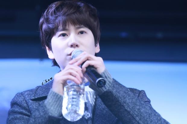 141128_kyuhyun_Mini_Concert_coex_ewha (9)