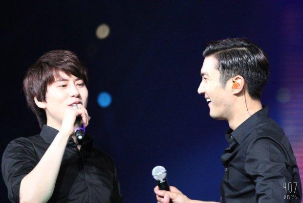 141129_SS6_Taiwan_Kyuhyun_Siwon (1)