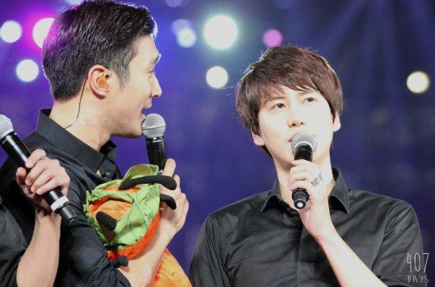 141129_SS6_Taiwan_Kyuhyun_Siwon (2)