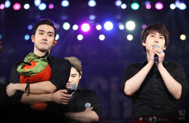 141129_SS6_Taiwan_Kyuhyun_Siwon (7)