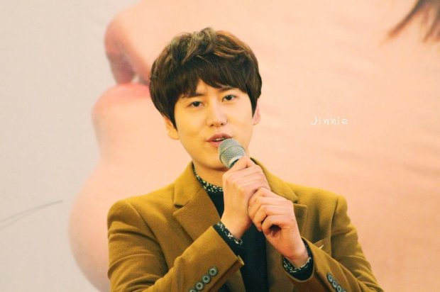 141203-kyuhyun-mini-concert (3)