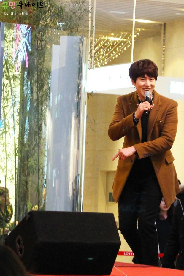 141203_kyuhyun_mini_concert_fan_signing (9)