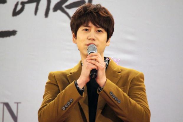 141203_kyuhyun_mini_concert_lotte_mall (10)