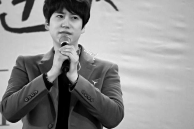 141203_kyuhyun_mini_concert_lotte_mall (11)