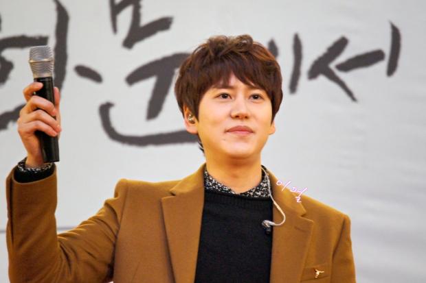 141203_kyuhyun_mini_concert_lotte_mall (13)