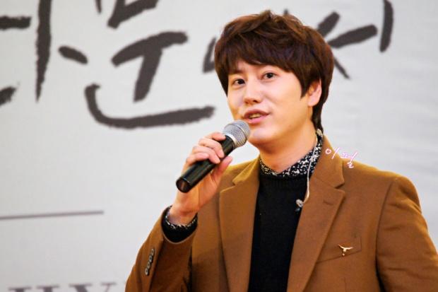 141203_kyuhyun_mini_concert_lotte_mall (14)