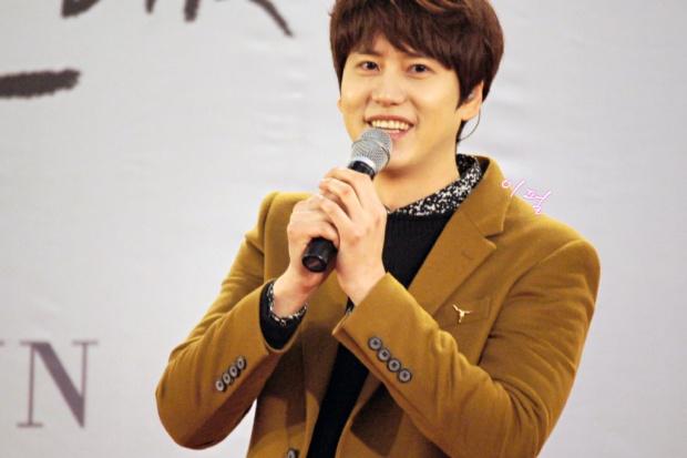 141203_kyuhyun_mini_concert_lotte_mall (16)