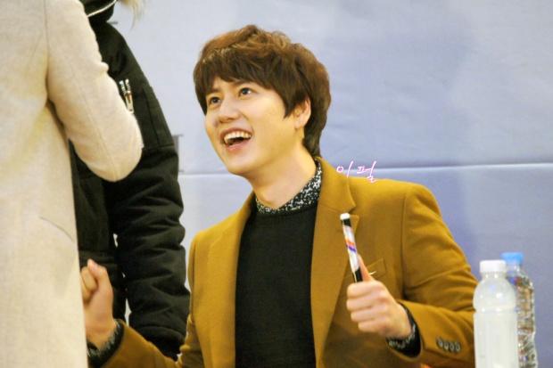 141203_kyuhyun_mini_concert_lotte_mall (17)