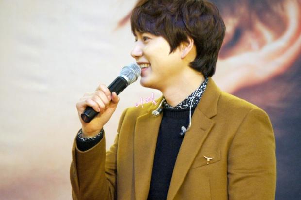 141203_kyuhyun_mini_concert_lotte_mall (21)