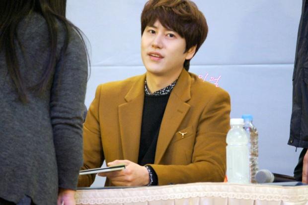 141203_kyuhyun_mini_concert_lotte_mall (22)