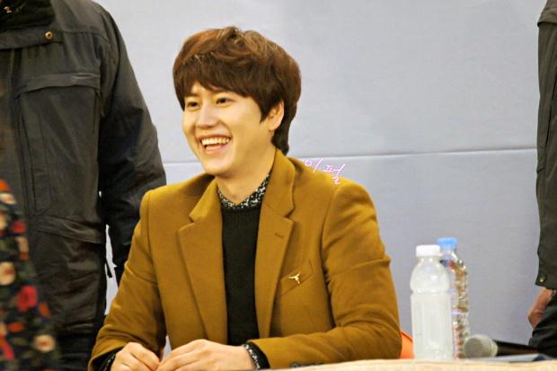 141203_kyuhyun_mini_concert_lotte_mall (26)