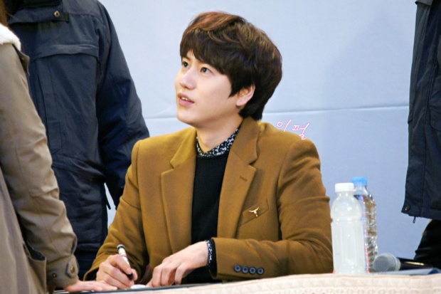 141203_kyuhyun_mini_concert_lotte_mall (27)