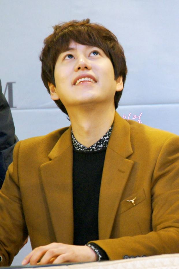 141203_kyuhyun_mini_concert_lotte_mall (4)