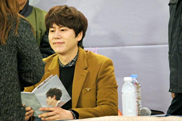 141203_kyuhyun_mini_concert_lotte_mall