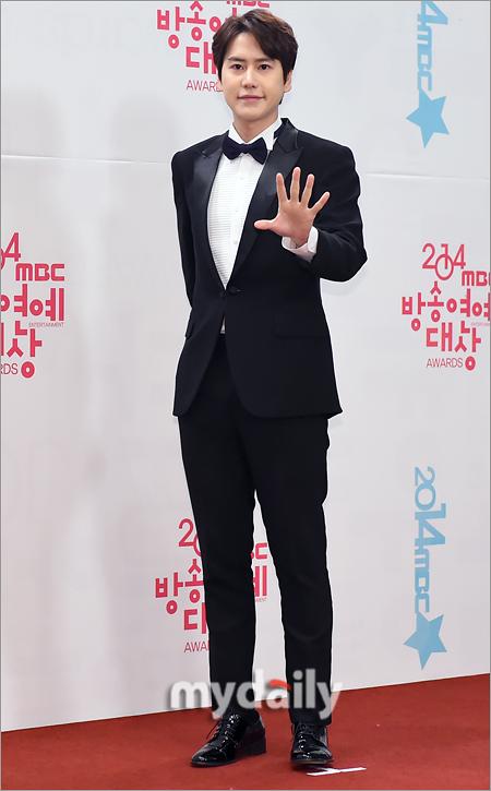 141229_kyuhyun_mbc_ent_awards (20)