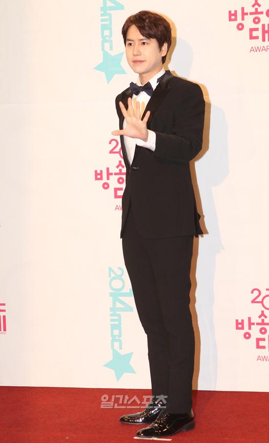 141229_kyuhyun_mbc_ent_awards (34)