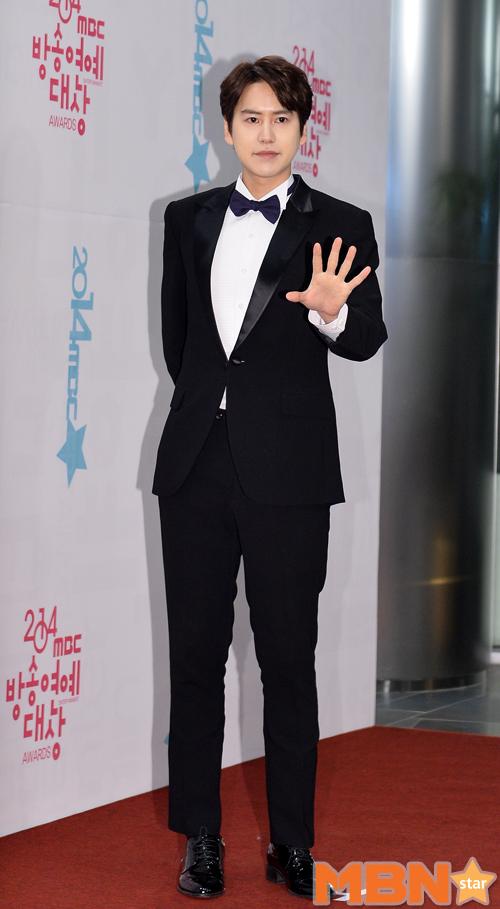 141229_kyuhyun_mbc_ent_awards (36)