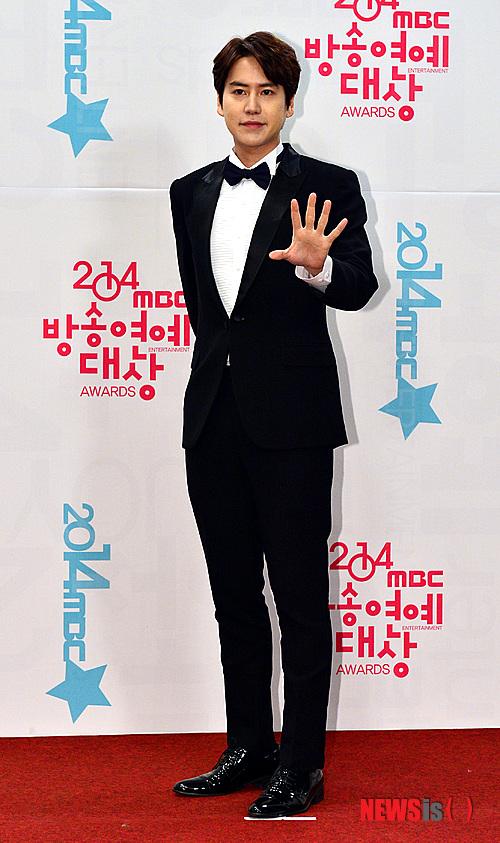 141229_kyuhyun_mbc_ent_awards (37)