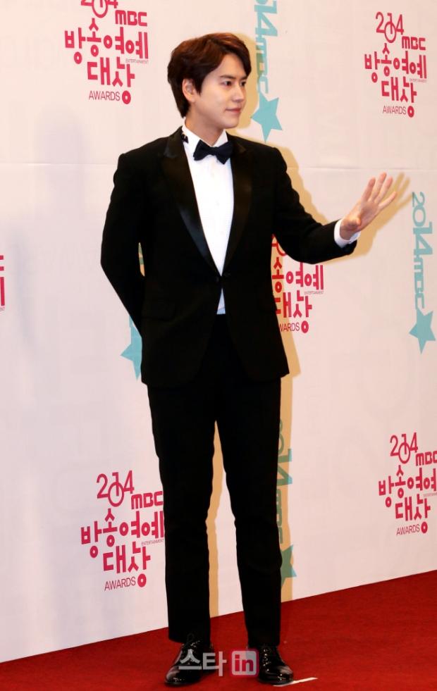 141229_kyuhyun_mbc_ent_awards (38)