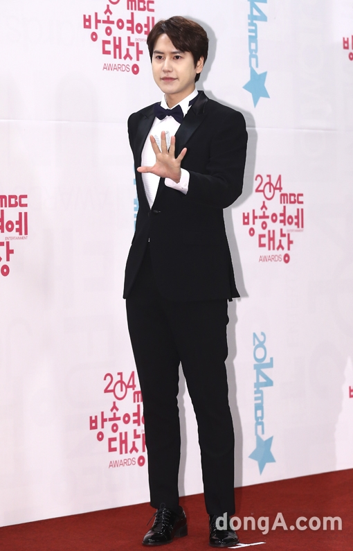 141229_kyuhyun_mbc_ent_awards (6)