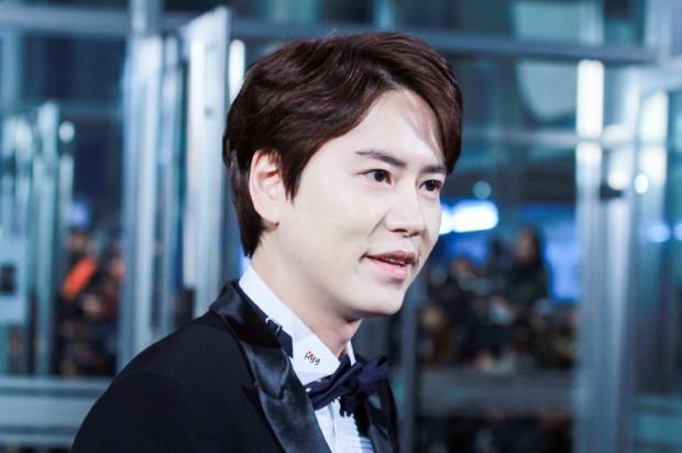 141229_kyuhyun_mbc_entertainment_awards (7)